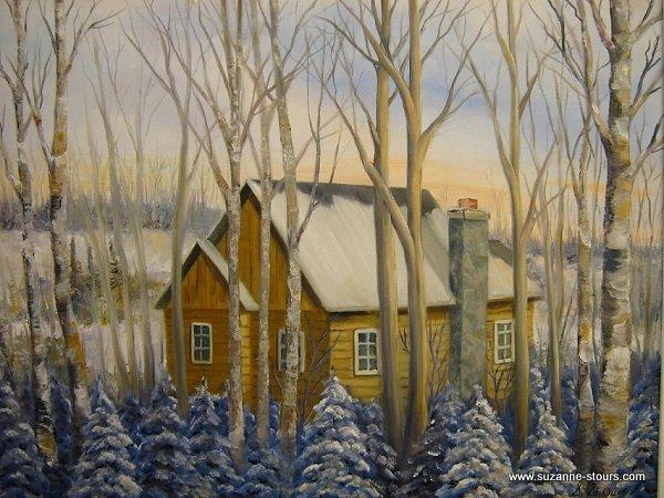 Maison bois ronds caché derrière les arbres l'hiver