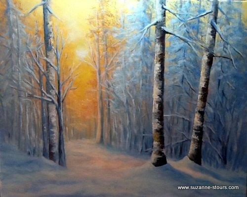 Coucher de soleil dans le sentier un matin d'hiver